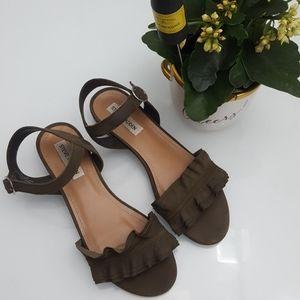 STEVE MADDEN Raffle sandals Size 8